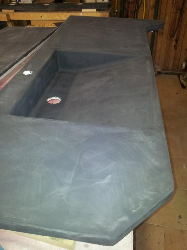 salle de bain ardoise et d cor b ton. Black Bedroom Furniture Sets. Home Design Ideas