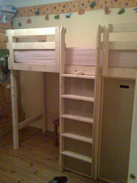 lit enfants avec caissons de rangements