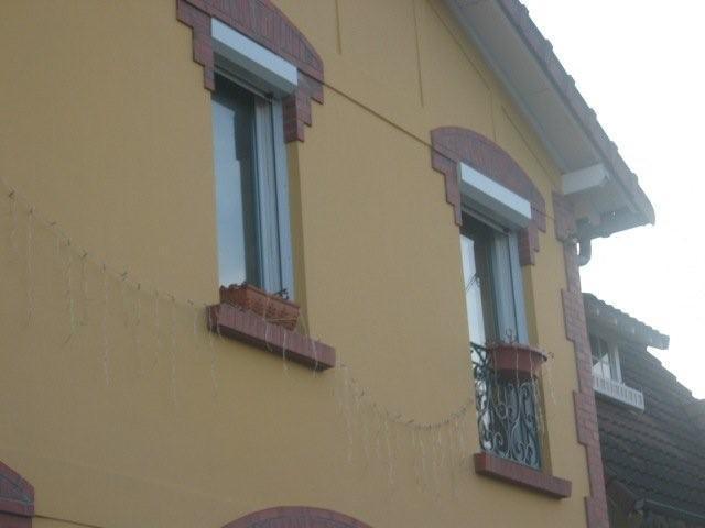 peinture acrylique et plaquettes de brique