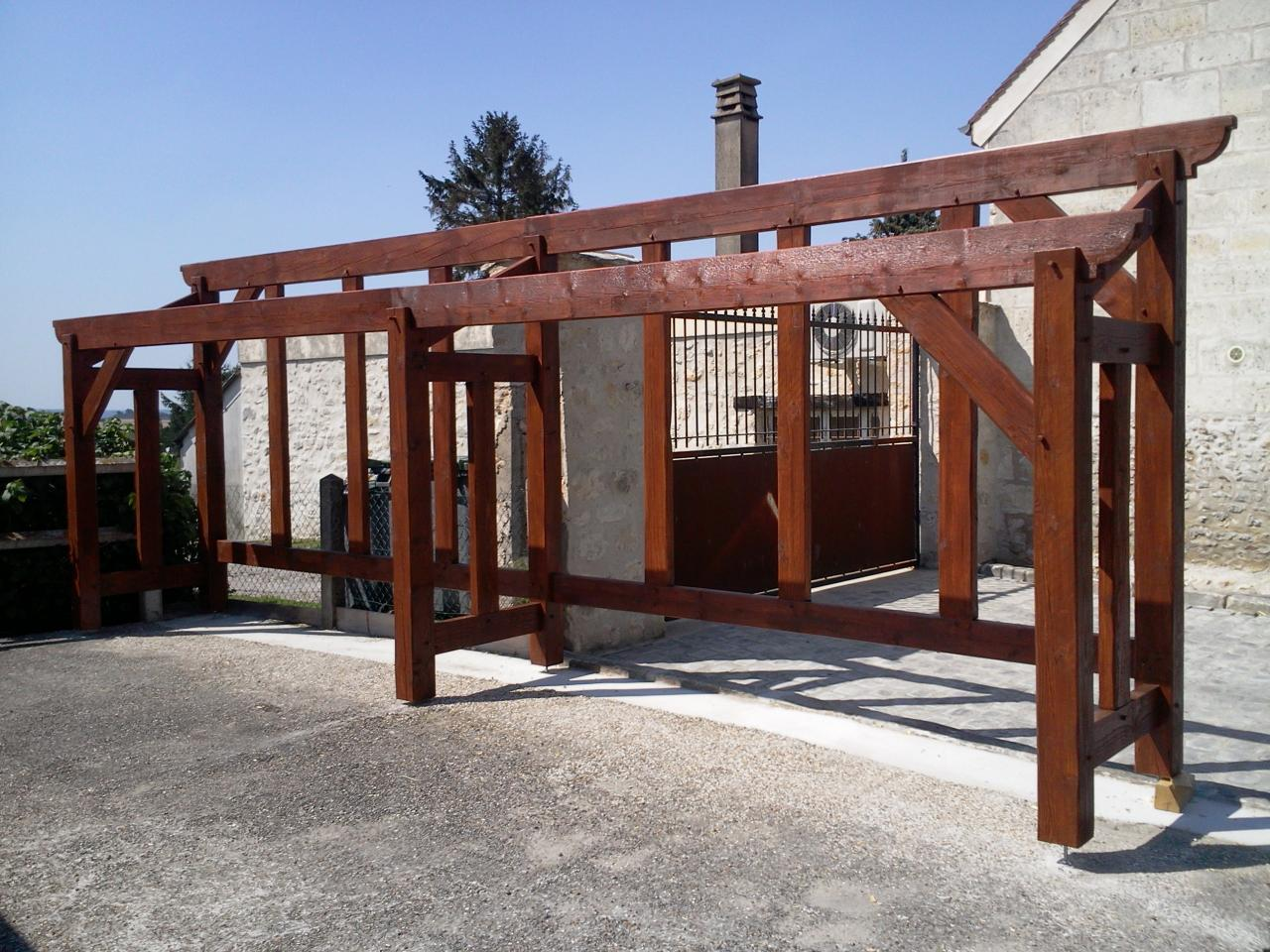 Construction d 39 un abri pour bois de chauffage for Chevre pour couper le bois